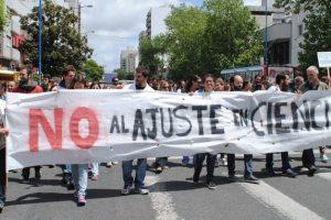 Científicos marcharon para protestar contra Macri