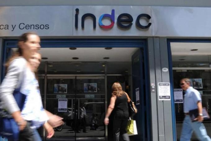 Los tarifazos se sintieron fuerte y empujaron la inflación de abril a 2.7 por ciento, según INDEC