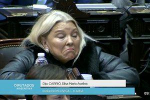 Enojada por la media sanción, Carrió amenazó con romper Cambiemos