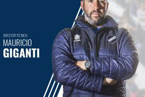 Mauricio Giganti renovó el contrato y será el técnico una temporada más