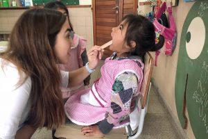 Jornada de salud bucal en el barrio 2 de Abril