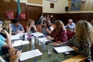 Docentes municipales: La Comisión de Educación rechazó el decreto de Arroyo que recorta bonificaciones