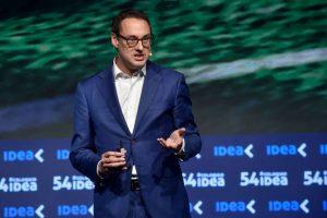 Coloquio de IDEA: confirman un incentivo para los consumidores que pidan la factura