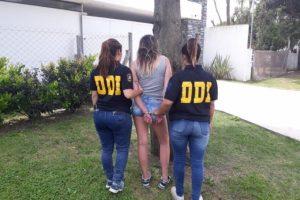 """Detienen a una mujer policía acusada de participar de una """"entradera"""" en Balcarce"""