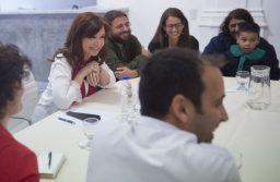 "A través de twitter, Cristina Kirchner llamó a la unidad y pidió ""volver a construir un país mejor"""