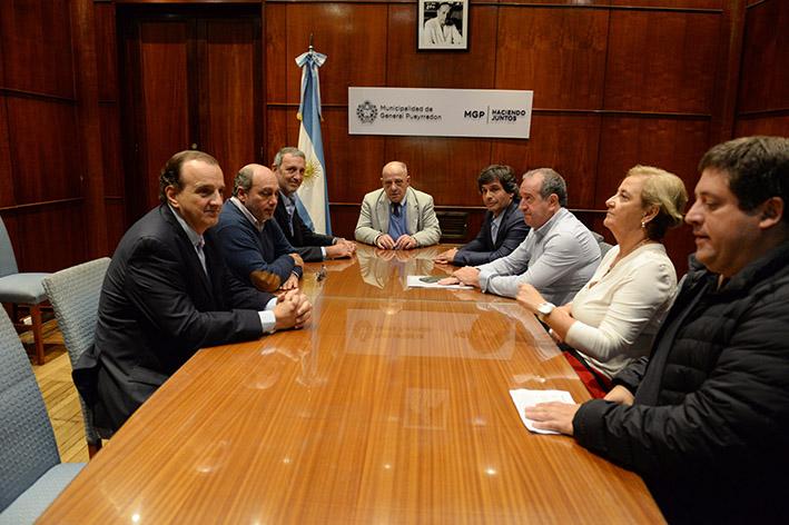 El intendente Arroyo y funcionarios del gabinete llevaron adelante una mesa de trabajo con el CEAMSE