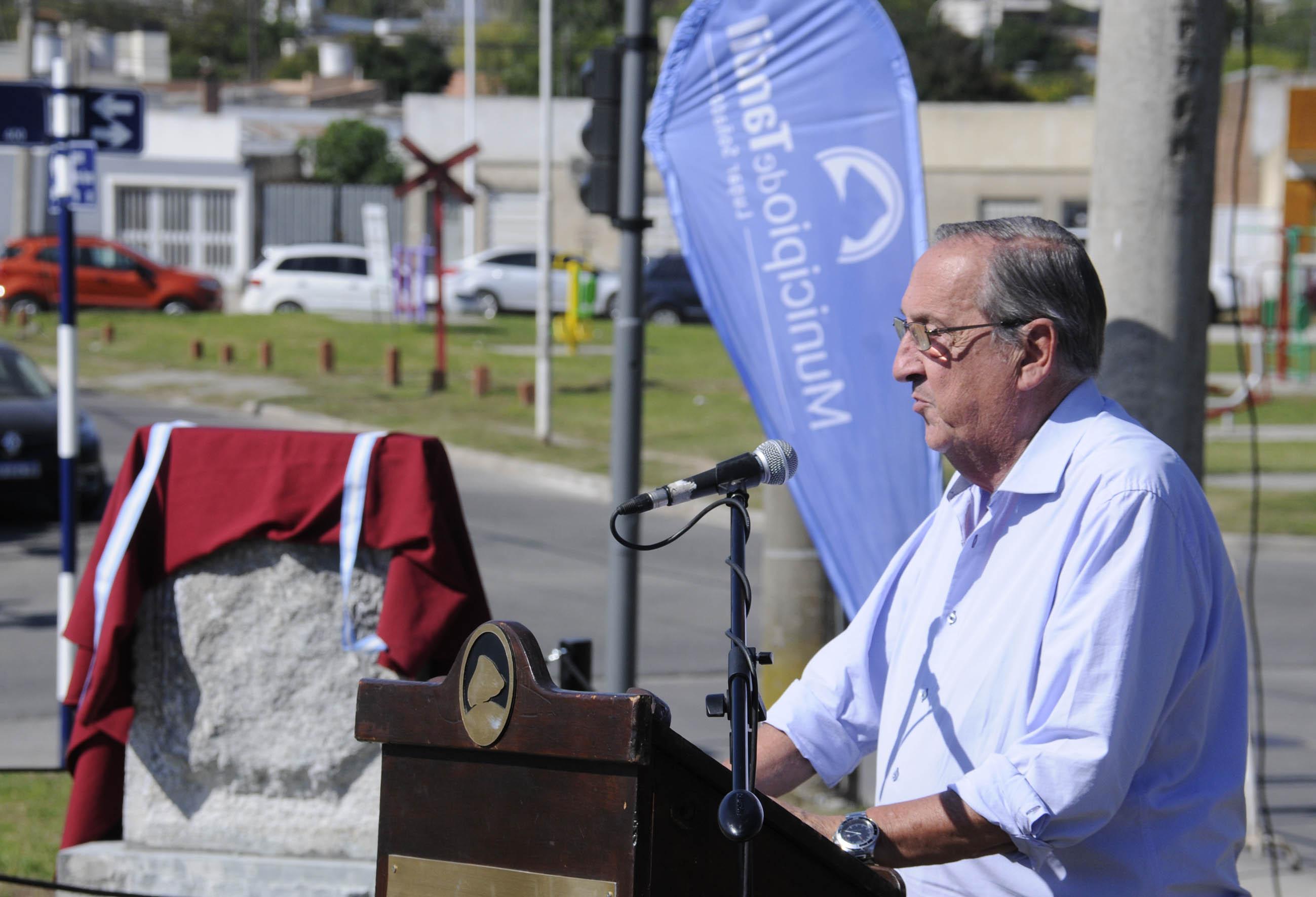 Tandil: El primer intendente de la democracia recuperada, Don Américo Reynoso tuvo su merecido homenaje