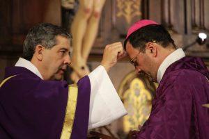 Comienza el tiempo de Cuaresma para todos los cristianos: misa y retiros del obispo
