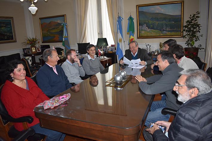 Tandil: Se firmó el acta acuerdo para la instalación de una zona primaria aduanera en el Parque Industrial