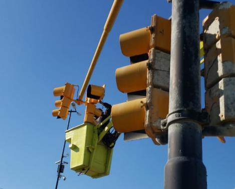 Puesta en valor de semáforos en el Acceso Norte