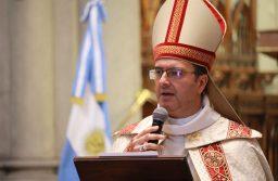 El obispo en el Te Deum: «Mirando el futuro de nuestra Patria necesitamos construir puentes y derribar muros».