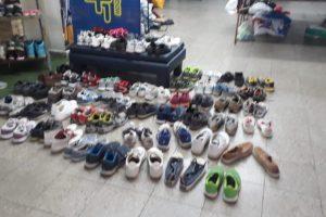 Peña La Mitad + 1 MDQ donó zapatillas al Comedor Huellitas