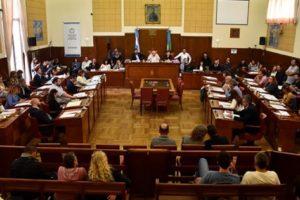 El Concejo se despide bajo la cultura de la extorsión y el apriete político contra el intendente Arroyo