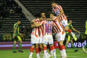 Unión venció a Aldosivi en el partido que abrió la fecha 8 de la Superliga en Mar del Plata