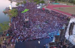 """Los Fernández pidieron no volver """"nunca más"""" al neoliberalismo y festejaron el Día de la Lealtad en unidad"""