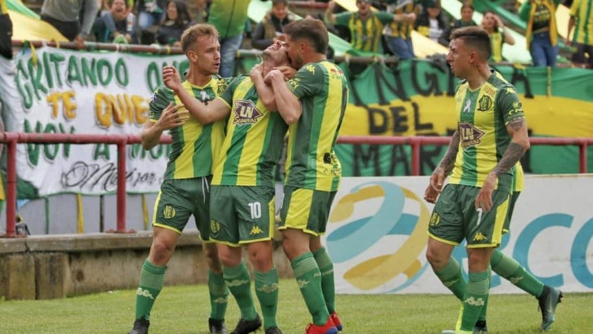 Aldosivi venció a Defensa en el debut de Hoyos y salió de la zona de descenso