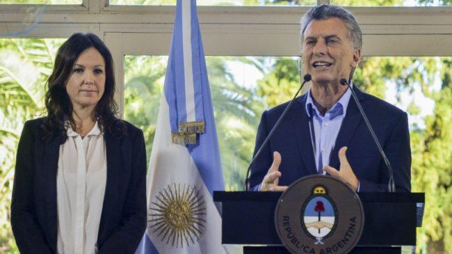 Con críticas a la resolución de Rubinstein, Macri, Stanley y Marcos Peña derogaron el nuevo protocolo para el aborto legal
