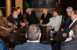 Montenegro y productores teatrales acordaron que el lanzamiento de la temporada se vuelva a realizar en nuestra ciudad