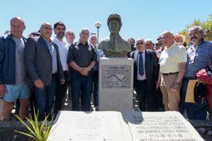 Arroyo encabezó descubrimiento de monumento a Juan Manuel Fangio