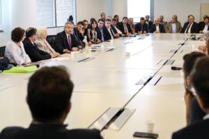 Alberto Fernández encabeza la primera reunión del consejo contra el hambre junto a Marcelo Tinelli, sindicatos y empresarios