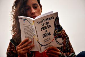 """Presentan el libro """"Encontrarnos es una manera de sanar. Historia de una sobreviviente"""""""