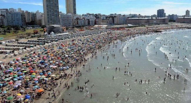 Una medida que alentará al sector local:  dólar turista 20% más caro que le oficial