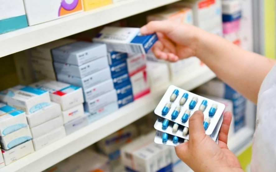 Más de dos tercios de los medicamentos más usados ya bajaron su precio un 8%