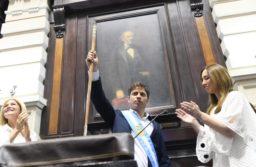 """Kicillof asumió como gobernador bonaerense con críticas a Vidal: """"La caja no alcanza para las obligaciones de los próximos 30 días"""""""