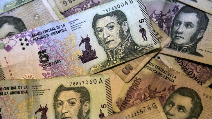 Bancos canjearán billetes de $5 hasta el 31 de marzo: el 29 de febrero salen de circulación
