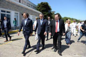 Montenegro le dio la bienvenida a la Fragata Libertad