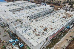 En poco más de una semana, la construcción del hospital en Wuhan llegó a su fin y en las próximas horas estará habilitado para recibir infectados.