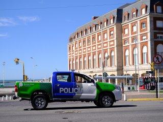 Desafectaron a dos policías por robarle a un guardavidas