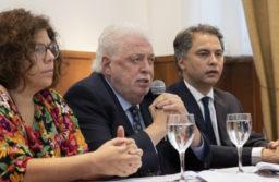 Internan a Ginés González García pero descartan COVID 19