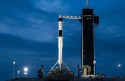 EEUU: Suspendieron el lanzamiento de la nave espacial Crew Dragon