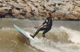 Solicita que se habilite la práctica del surf en Mar del Plata