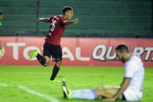 """Comenzaron los testeos de Covid-19 para que vuelva el fútbol: hay un positivo en el """"Rojo"""""""