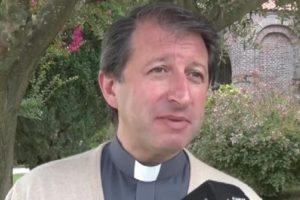 El párroco de Pinamar tiene Covid-19
