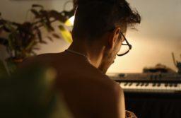 El músico Rubén Montoya lanzó su proyecto solista Sinruido