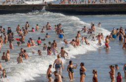 El gobierno bonaerense y los intendentes trabajan para que haya temporada de verano (Christian Heit)