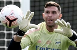 El marplatense Emiliano Martínez fue presentado oficialmente en el Aston Villa