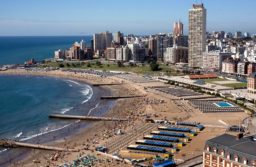 Analizan en Casa Rosada protocolos para la temporada turística en la costa bonaerense