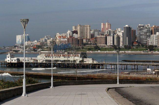 La Provincia entregó 12 camas más de terapia intensiva para Mar del Plata, y anunció la ampliación del operativo DETeCTAr.  Turismo Mar del Plata