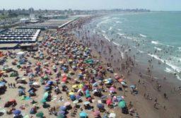"""No permitirán """"aglomeraciones"""" en la playa ni se habilitarán boliches en la costa"""