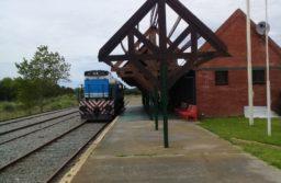 Primera prueba con una locomotora del ramal entre Guido y Divisadero de Pinamar