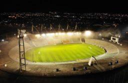 Encendieron las luces del Minella en homanaje a Maradona