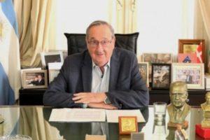 """Lunghi pide """"autonomía plena para los municipios de la provincia"""""""