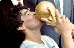 El Presidente decretó tres días de duelo nacional por la muerte de Maradona
