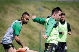 Aldosivi viajó a Capital Federal para jugar mañana contra Argentinos