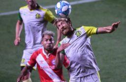 Federico Milo, casi descartado para el partido frente a Argentinos