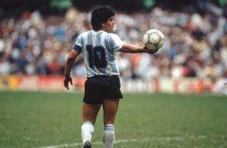 """Proponen declarar el nacimiento de Maradona como """"Día Nacional del Fútbol"""""""